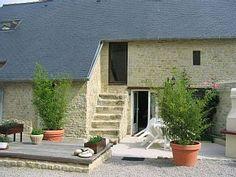 Steinhaus+komplett+ausgestattet:+in+der+Nähe+Landungsstrände,+Bayeux,+Port+en+Bessin++++-+gite+1Ferienhaus in Calvados von @homeaway! #vacation #rental #travel #homeaway Strand, Patio, Architecture, Interior, Outdoor Decor, Home Decor, Parking Space, Cottage House, Vacation