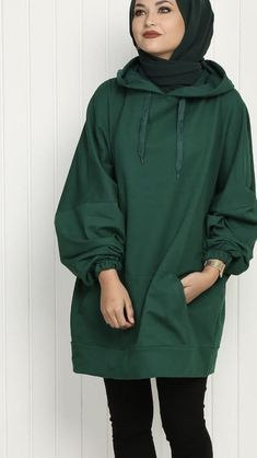 Yesil Tunik Ustune Ne Renk Sal – Tarz Kadın Yesil Tunic Ustune What Color Sal – Style Woman Modern Hijab Fashion, Modesty Fashion, Hijab Fashion Inspiration, Muslim Fashion, Mode Inspiration, Hijab Dress, Hijab Outfit, Modest Outfits, Casual Outfits