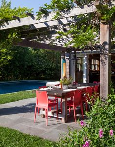 Ben Watts' outdoor dining area in Montauk.