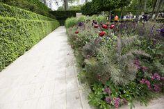 Garden Gallery- RHS Chelsea Flower Show 2009 - The Laurent-Perrier Garden