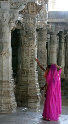 Jain Temple | Ranakpur, Pali, Rajasthan, India (by Spoutnik)