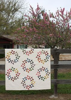 made by Temecula Quilt Shop - pattern by Thimble Blossoms  http://thimbleblossoms.bigcartel.com/product/round-round-pattern-156-pdf-pattern