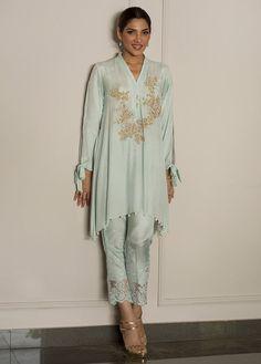 Ice flow green embroidered stitched pret dress by Deepak Perwani semi formal dresses 2018 - Online Shopping in Pakistan Pakistani Dress Design, Pakistani Dresses, Indian Dresses, Indian Outfits, Semi Formal Dresses, Casual Dresses, Fashion Dresses, Formal Wear, Kurta Designs