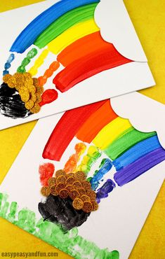 St. Patrick's Day Handprint Rainbow Art for Kids! A fun hands-on art project for preschool and kindergarten kids this spring! #stpatricksday #rainbowcrafts