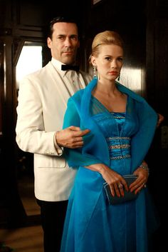 January Jones & Jon Hamm....  Once the Drapers...  Now in separate universes it seems...