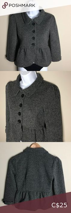 H&M Gray and Black Tweed Peplum Blazer Size S Condition: Excellent: used with no noticeable flaws Measurements: Pit to pit: 16.5 inches; sleeves: 17.5 inches; length: 20 inches Material: 51% cotton; 41% polyester  🔥Get 20% off when you buy 2 or more items!🔥  Open to offers! :) H&M Jackets & Coats Blazers H&m Jackets, Jackets For Women, Peplum Blazer, Plus Fashion, Fashion Tips, Fashion Trends, Colored Blazer, Tweed, Blazers