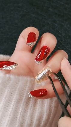 Nail Art Designs Videos, Nail Art Videos, Fall Nail Designs, Nail Designs For Christmas, Holiday Nail Art, Stamping Nail Polish, Nagellack Design, Red Nail Art, Best Acrylic Nails