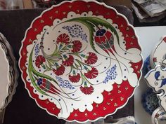This post was discovered by Gü Hand Painted Pottery, Pottery Painting, Hand Painted Ceramics, Ceramic Painting, Turkish Plates, Turkish Art, Pottery Plates, Ceramic Pottery, China Painting