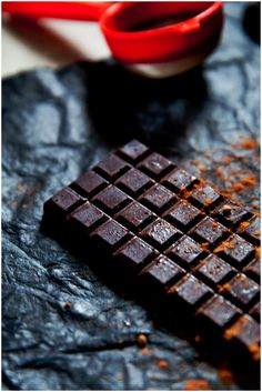 Zesy Almond Raw Chocolate | Whole Promise