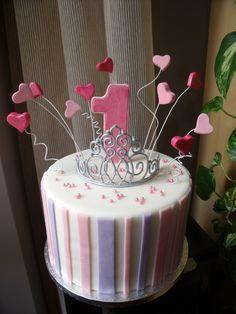 Torta coroncina principessa primo compleanno Baby First Birthday, Birthday Cake, Cupcake Cakes, Cupcakes, Baby Party, Deli, First Birthdays, Cake Decorating, Sugar