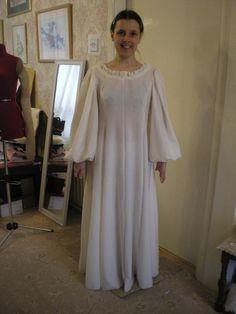DIY Tutorial: DIY Women Halloween Costumes  / DIY Merida Teal Dress - Bead&Cord