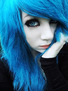 I'm lonely and I dyed my hair back 2 blue. Mint Hair, Teal Hair, Pelo Emo, Cute Emo Girls, Goth Girls, Emo Scene Hair, Scene Girls, Dye My Hair, Cosplay