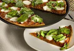 Pizza com massa de biscoito:  cobertura tem como ingrediente principal a mussarela de búfala. Confira a receita no site da Zero Hora