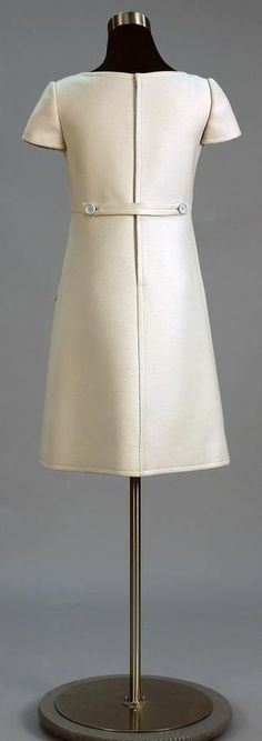 Thumbnail image of item number 4 in: 'Day Dress'.