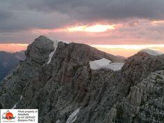Venha conosco fazer um tour e conhecer as belezas dessas montanhas! O grupo ITALIABELLA deseja a todos: um BOM DIA! ;)  #dolomitas #roteirosincriveis #luademel #turismopersonalizado #turismoreceptivo