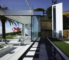 Spectacular modern villa with infinite views