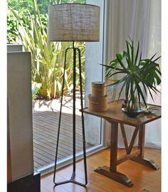 Lampara Metallic Hierro oxido y arpillera  #diseño #led #pie #luz Bamboo, Planter Pots, Ideas Decoración, Table, Furniture, Mom, Home Decor, Instagram, Purse