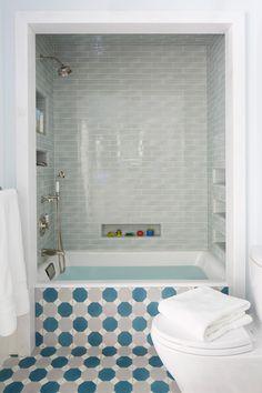 kids' bathroom by Tim Barber Ltd.