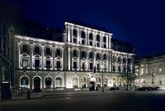 Hôtel Sofitel London St James : http://week-end-a-londres.guide-accorhotels.com/hotel-londres/reserver-hotel-londres/sofitel-london-st-james-londres-p-7611439