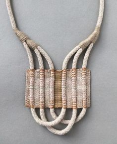 Inspiring woven necklaces for this Sunday's Visual Diary. Explore the possibilities of weaving in a small scale for creating neck adornments. Jewelry Crafts, Jewelry Art, Jewelry Necklaces, Handmade Jewelry, Jewelry Design, Fashion Jewelry, Rope Necklace, Lace Earrings, Hippie Jewelry