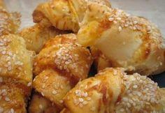 Krémsajtos töltött kifli Pretzel Bites, Bakery, Food And Drink, Bread, Ethnic Recipes, Macaron, Brot, Baking, Breads