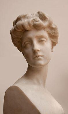 greek statue Het Pietro Canonica Museum in Rome, Greek Statues, Ancient Greek Sculpture, Buddha Statues, Angel Statues, Sculpture Head, Roman Sculpture, Clay Sculptures, Modern Sculpture, Renaissance Kunst