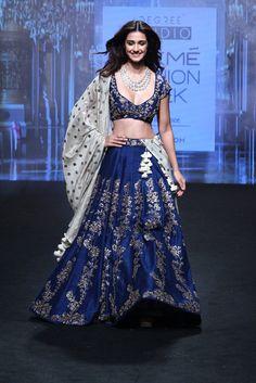 Jayanti Reddy at Lakmé Fashion Week Summer/Resort 2017 Indian Bridal Outfits, Indian Bridal Fashion, Indian Dresses, Bridal Dresses, Lakme Fashion Week 2017, Jayanti Reddy, Indian Attire, Indian Wear, Disha Patani
