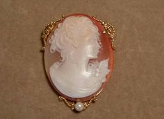 Estate 14K Yellow Gold Carved Shell LADY Cameo Brooch Pendant with Pearl Drop