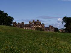 Hawarden Castle ►► http://www.castlesworldwide.net/castles-of-wales/flintshire/new-hawarden-castle.html?i=p