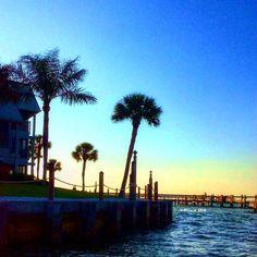Chasing daylight on the water #pineislandsound #palmtree #sky #staysalty #saltwater #paradise #mermaid #oceanlove #wildchild #islandgirl #beachbabe #islandlife #beachlover #sanibelstar #visitfl #sanibelisland #captivaisland #pineisland #matlacha #naples #ftmyersbeach #sanibel #captiva #ftmyers