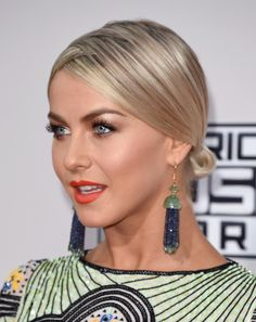 2015 American Music Awards - Julianne Hough Style (photos)