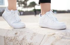 Mustaa rannalla // UINO Air Force Sneakers, Nike Air Force, High Top Sneakers, Sneakers Nike, High Tops, Shoes, Fashion, Nike Tennis, Moda
