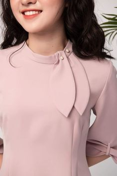 Blouse Neck Designs, Blouse Styles, Simple Kurti Designs, Western Outfits, Fashion Sewing, Coats For Women, Plus Size Outfits, Trendy Fashion, Fashion Dresses