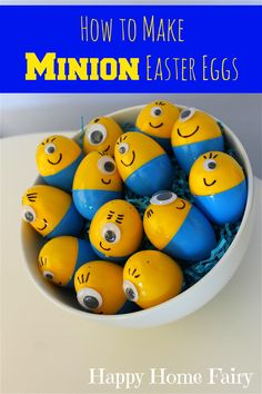 The Happy Baby loves those adorable minions from the Despicable Me movies (I mean, who doesn't? For his birthday party a few weeks ago we made some of these super cute Minion Easter eggs. Minion Easter Eggs, Plastic Easter Eggs, Hoppy Easter, Easter Bunny, Easter Projects, Easter Crafts, Holiday Crafts, Holiday Fun, Easter Ideas
