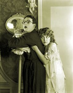 Harold Lloyd and Mildred Davis Silent Screen Stars, Silent Film Stars, Movie Stars, Hollywood Actor, Hollywood Stars, Old Hollywood, Hollywood Images, Hollywood Couples, Classic Hollywood