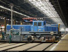RailPictures.Net Photo: 527 Hungarian State Railways (MÁV) V42 at Budapest Északi jjü., Hungary by ViktorSzékely