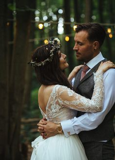 A Naomi Neoh Gown For Magical And Woodland Wedding