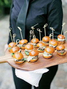 Of-the-Moment Food Trends for Your Wedding We'll take one of everything, please. Dive into these 11 of-the-moment food trends for your wedding.We'll take one of everything, please. Dive into these 11 of-the-moment food trends for your wedding. Wedding Finger Foods, Wedding Foods, Wedding Desserts, Wedding Appetizers, Wedding Canapes, Cocktail Party Appetizers, Wedding Catering, Catering Food, Catering Buffet