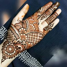 Image may contain: 1 person Latest Arabic Mehndi Designs, Rose Mehndi Designs, Legs Mehndi Design, Latest Bridal Mehndi Designs, Full Hand Mehndi Designs, Modern Mehndi Designs, Mehndi Designs For Beginners, Mehndi Design Photos, Wedding Mehndi Designs
