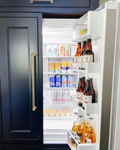 """Kat   KD Detail & Design's Instagram photo: """"Cheers to the holiday weekend! Happy 4th🇺🇸🌟 it's 5 o'clock somewhere🍺 . . What do your plans look like? BBQ? Beach? Pool? This weather is…"""" Pine Valley, Detail Design, Bud Light, Beach Pool, Summer Time, Cheers, Locker Storage, Bbq, Clock"""