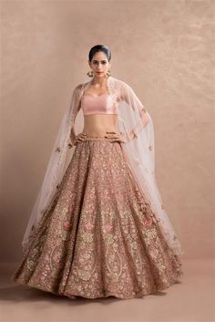 The latest collection of Bridal Lehenga designs online on Happyshappy! Find over 2000 Indian bridal lehengas and save your favourite once. Choli Designs, Blouse Designs, Indian Lehenga, Indian Bridal Outfits, Indian Dresses, Pink Bridal Lehenga, Floral Lehenga, Lehanga Bridal, Lehenga Choli Wedding