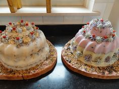 """Now at HEBRECHT LIVING; """"Bird Cakes""""! Beautiful and delicious cakes for the birds! Made of fat, mixed with seeds, peanuts, sunflower seeds and decorated with berries or apples.  Model: pudding!"""