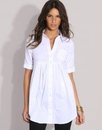 This is a good example of a flattering simple empire line shirt. Although empire line, this style does not have too many pleats or fabric. Covers the tummy and waist and has a good sleeve to cover upper arms. Hide Belly, Empire Waist Tops, Refashion, Fashion Outfits, Fashion Tips, Fashion Ideas, Plus Size Fashion, What To Wear, Style Me