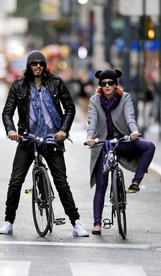 Lovely day for a #bike ride: Russell Brand and Katy Perry go for a spin in New York City.