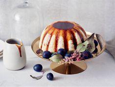 Piparijäädyke piparikastikkeella   Valio Panna Cotta, Cheesecake, Ice Cream, Cookies, Baking, Ethnic Recipes, Desserts, Christmas, Food