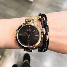 Super schattig klokje. Ken jij iemand met een heel dun polsje, die het lastig vind om een geschikt horloge te vinden? Tip haar dan met dit lieve klokje! Meer info op www.aperfectgift.nl . . .  #loisir #horloges #dameshorloges #horloge #cadeau #cadeautje #cadeaus #cadeautip #inspiratie #cadeauvoorhaar #IPgoud #sieraad #sieraden #sieradenwebshop #sieradenwebwinkel #goud #zilverhorloge #armcandy #armparty #trendy #dameshorloge #jewellery #jewelry #jewellerydesign #gold Michael Kors Watch, Watches, Accessories, Fashion, Hobbies, Moda, Wristwatches, Fashion Styles, Clocks