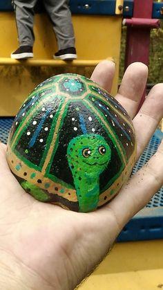 Stone Painting, Rock Painting, Ladybug Rocks, Halloween Rocks, Like A Rock, Rock And Pebbles, Pet Rocks, Kindness Rocks, Rock Design
