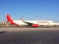 A321 de Avianca en Los Ángeles: pic.twitter.com/F4uH2TanTP, por @Speedbird HD vía @volarespasion