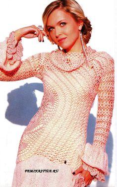 """Vestido de crochet com uma gola-colar... """"Revista de moda"""" 563/2012. Com descrição e esquema."""