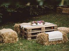 MoneyGram-Standorte in Céline und Stephen sur Cavallo - Corse - - Wedding Blog, Diy Wedding, Rustic Wedding, Wedding Planner, Wedding Day, Wedding Bouquets, Wedding Flowers, Celine, Anemone Bouquet